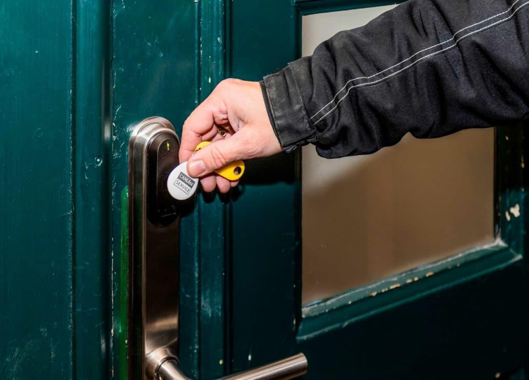 låsesmed til installation af salto adgangskontrol i hus og lejlighed
